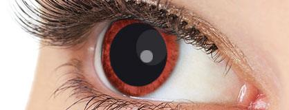 Augen mit eingesetzten Anime Kontaktlinsen